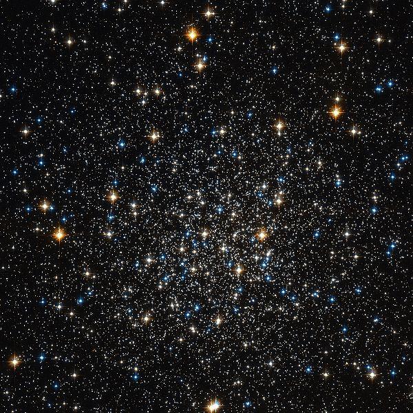 600px-M12_Hubble